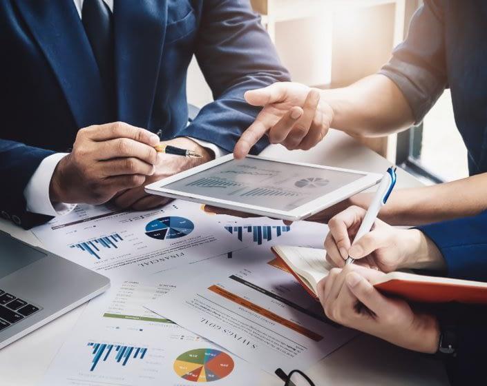 Equipa multidisciplinar de BPO de Gestão Financeira